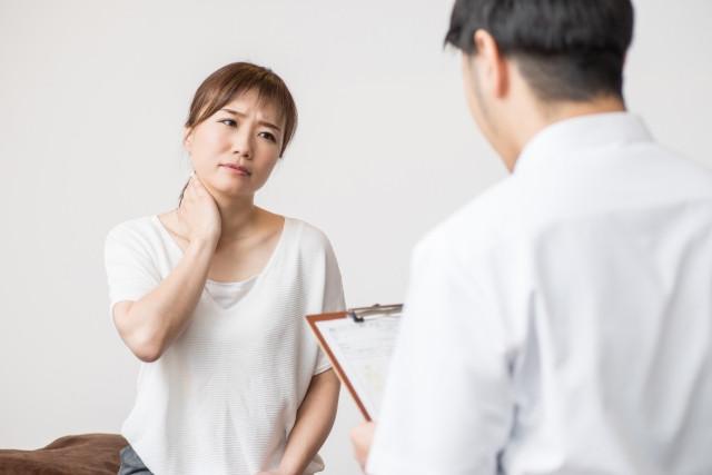 一般的な整骨院でも首の歪み原因があると考え、温めたり、マッサージや矯正などでは改善していないのが実情です。